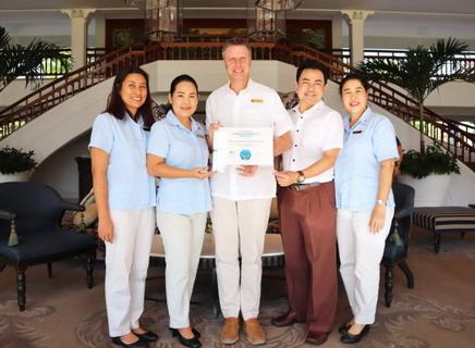 """น้อบรับรางวัล """"โรงแรมที่ดีที่สุดในหัวหิน"""" จากทริปเอ็กซ์เพิร์ต ณ โรงแรมเซ็นทาราแกรนด์บีชรีสอร์ทและวิลลา หัวหิน 13 -"""
