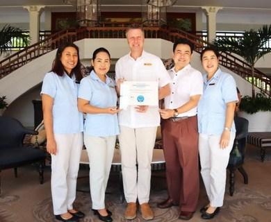 """น้อบรับรางวัล """"โรงแรมที่ดีที่สุดในหัวหิน"""" จากทริปเอ็กซ์เพิร์ต ณ โรงแรมเซ็นทาราแกรนด์บีชรีสอร์ทและวิลลา หัวหิน 14 -"""