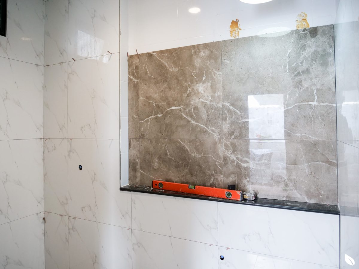 """4 ขั้นตอน """"รีโนเวทห้องน้ำขนาดเล็ก"""" ให้สวยใหม่ จบงานไวใน 2 วัน แบบปูกระเบื้องทับ ไม่ต้องรื้อ 47 - bathroom"""