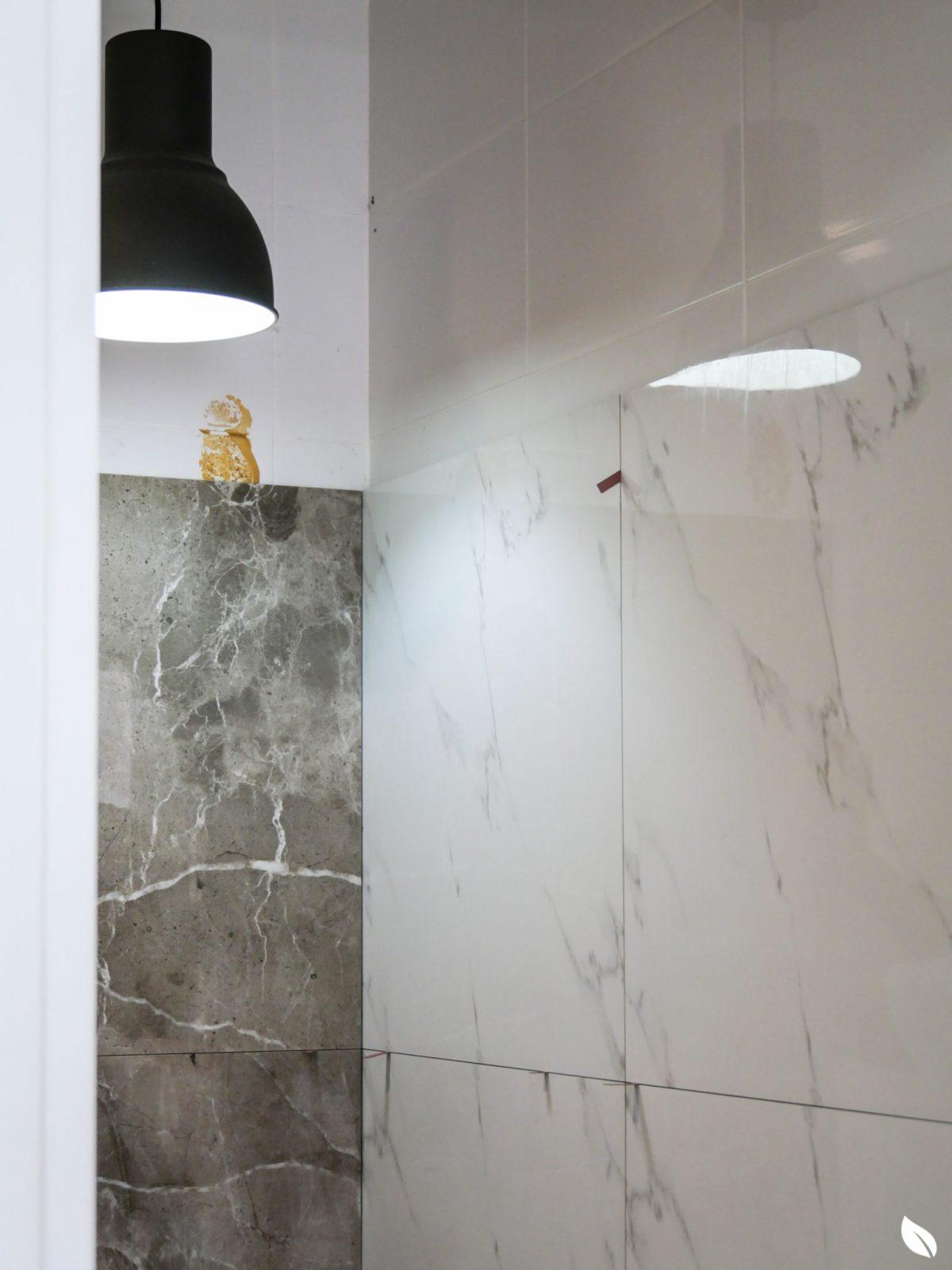 """4 ขั้นตอน """"รีโนเวทห้องน้ำขนาดเล็ก"""" ให้สวยใหม่ จบงานไวใน 2 วัน แบบปูกระเบื้องทับ ไม่ต้องรื้อ 43 - bathroom"""