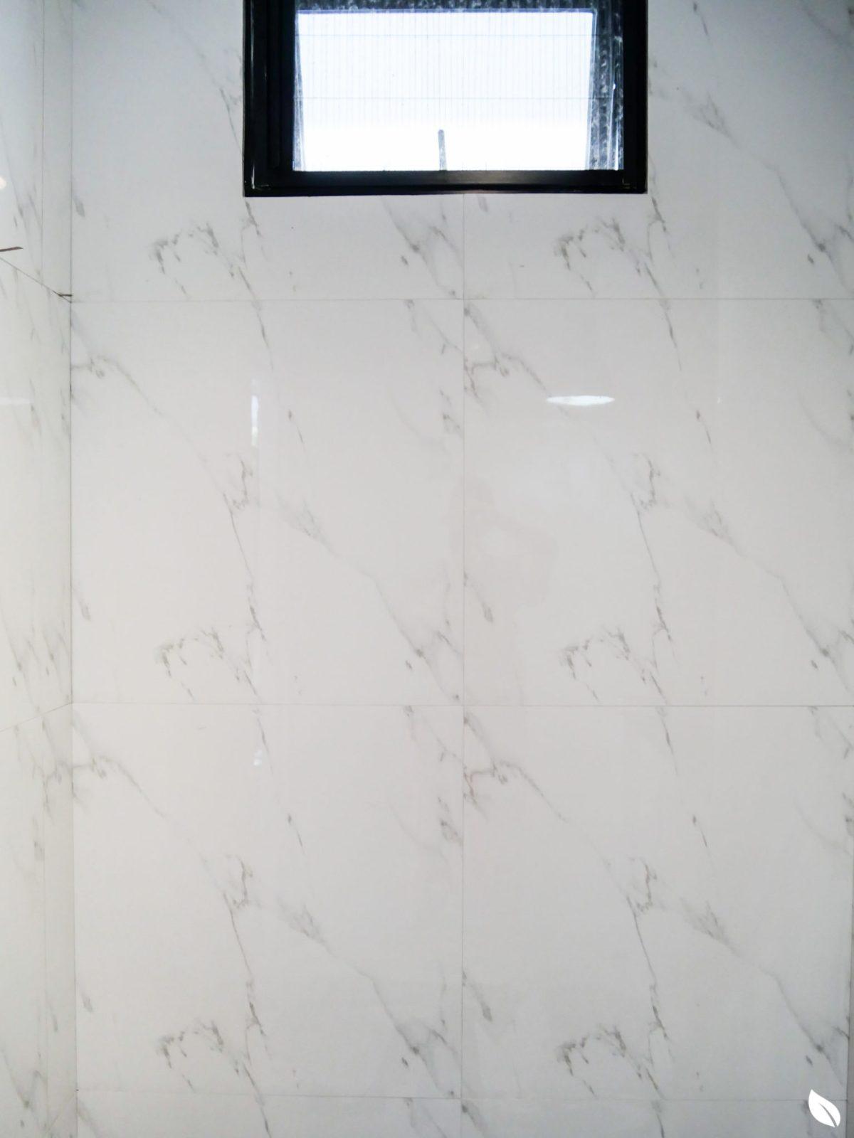 """4 ขั้นตอน """"รีโนเวทห้องน้ำขนาดเล็ก"""" ให้สวยใหม่ จบงานไวใน 2 วัน แบบปูกระเบื้องทับ ไม่ต้องรื้อ 52 - bathroom"""