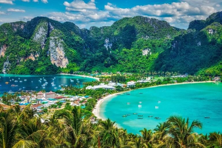 สัมผัสเสน่ห์สีสันแห่งกรีนซีซั่น ที่โรงแรมไอบิส เอราวัณ ประเทศไทย 13 -