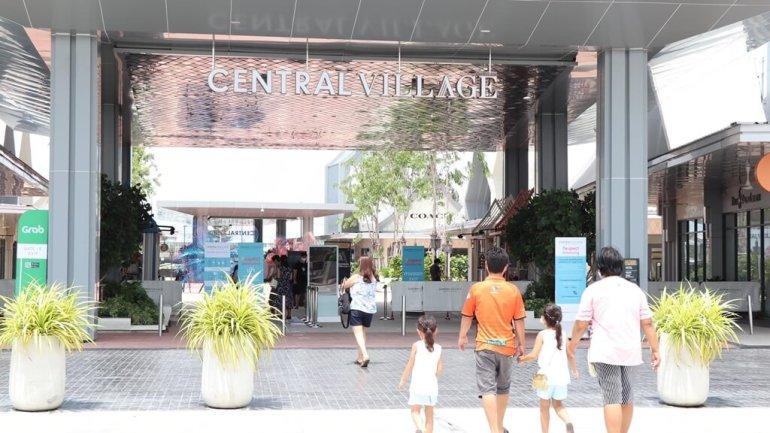 ประมวลภาพ ศูนย์การค้าเซ็นทรัล เปิดให้บริการทั่วประเทศวันแรกหลังคลาย ล็อคดาวน์ รณรงค์ 'วินัยคนไทย' การ์ดอย่าตก เน้นย้ำ Social Distancing 26 - New Normal