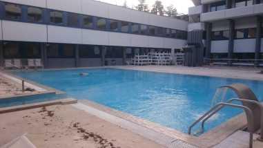Large outside thermal pool at Interhotel Sandanski