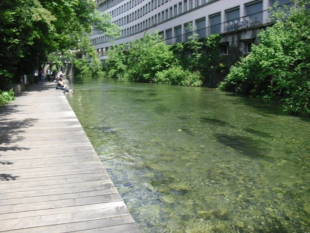 People cooling off at the Sihl River