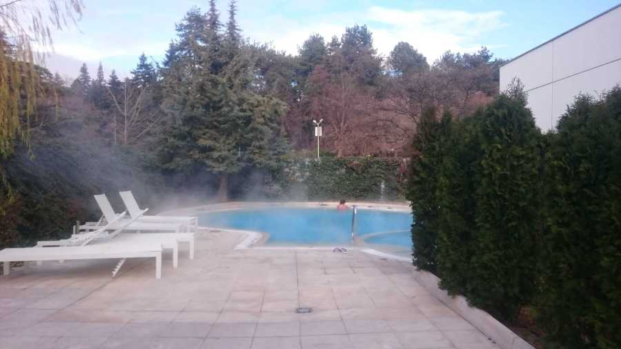 Small outside thermal pool in Interhotel Sandanski