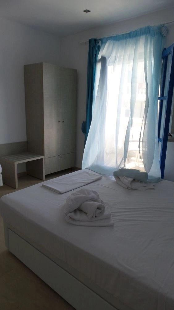 Double bed - Hotel Paraktio Review