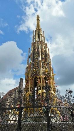 Der Schoene Brunnen in Nuremberg