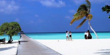 Cutting the cost of your summer holiday vacation with these simple steps.