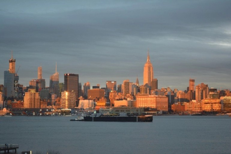The W Hoboken offers spectacular views to Manhattan from it's room. Watching the sunset or sunrise over NYC is a lifetime experience.
