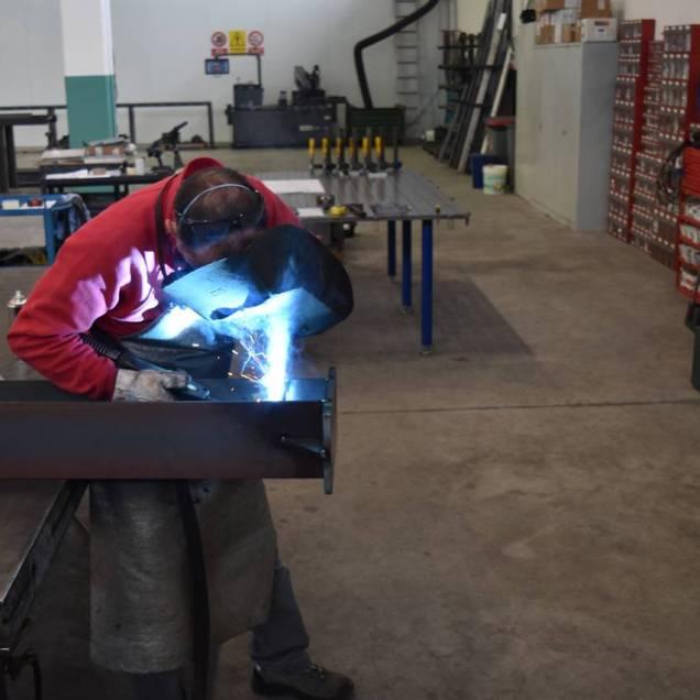 carpenteria-metallica-ivefer50