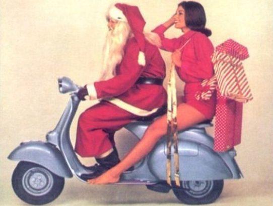 santa-clause-riding-vespa
