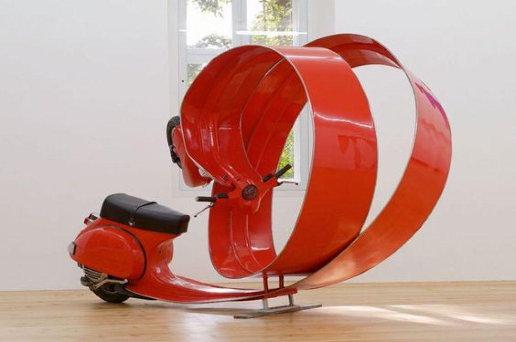 stefan-rohrer-red-vespa-art-ivespa