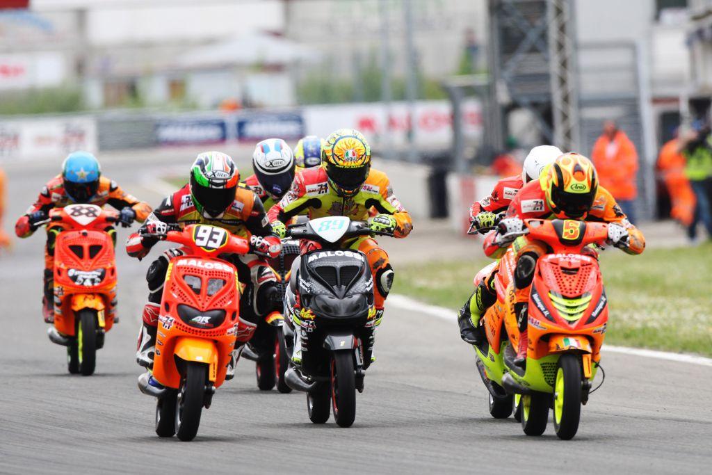 trofei-malossi-racers-on-the-straight-away-4
