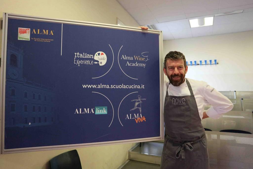 Lo chef Giorgio Servetto sale in cattedra dal ristorante