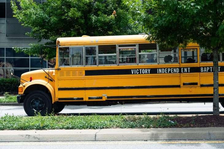scuolabus ad Atlanta con bimbi di colore