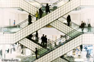 Facile perdersi al centro commerciale Le Bon Marché