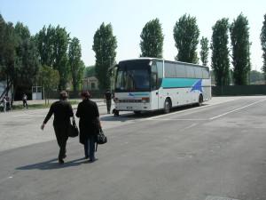 Pullman in partenza Viaggio delle Badanti Trento Padova Moldavia