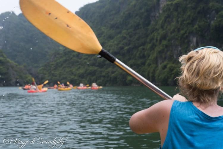 Ha Long bay kayak