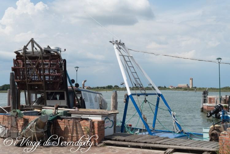 Burano nave da pesca per le vongole