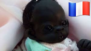 Faits divers en Espagne: une femme accouche d'un enfant noir et accuse son mari d'avoir trop bu