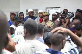 URGENT: Manifestation a Yopougon Le préfet d'Abidjan sur le terrain