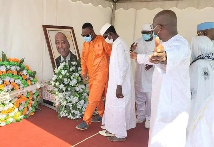 Johnny Patcheco est-il chassé de la tombe d'Amadou Gon ? : cette image qui en dit long
