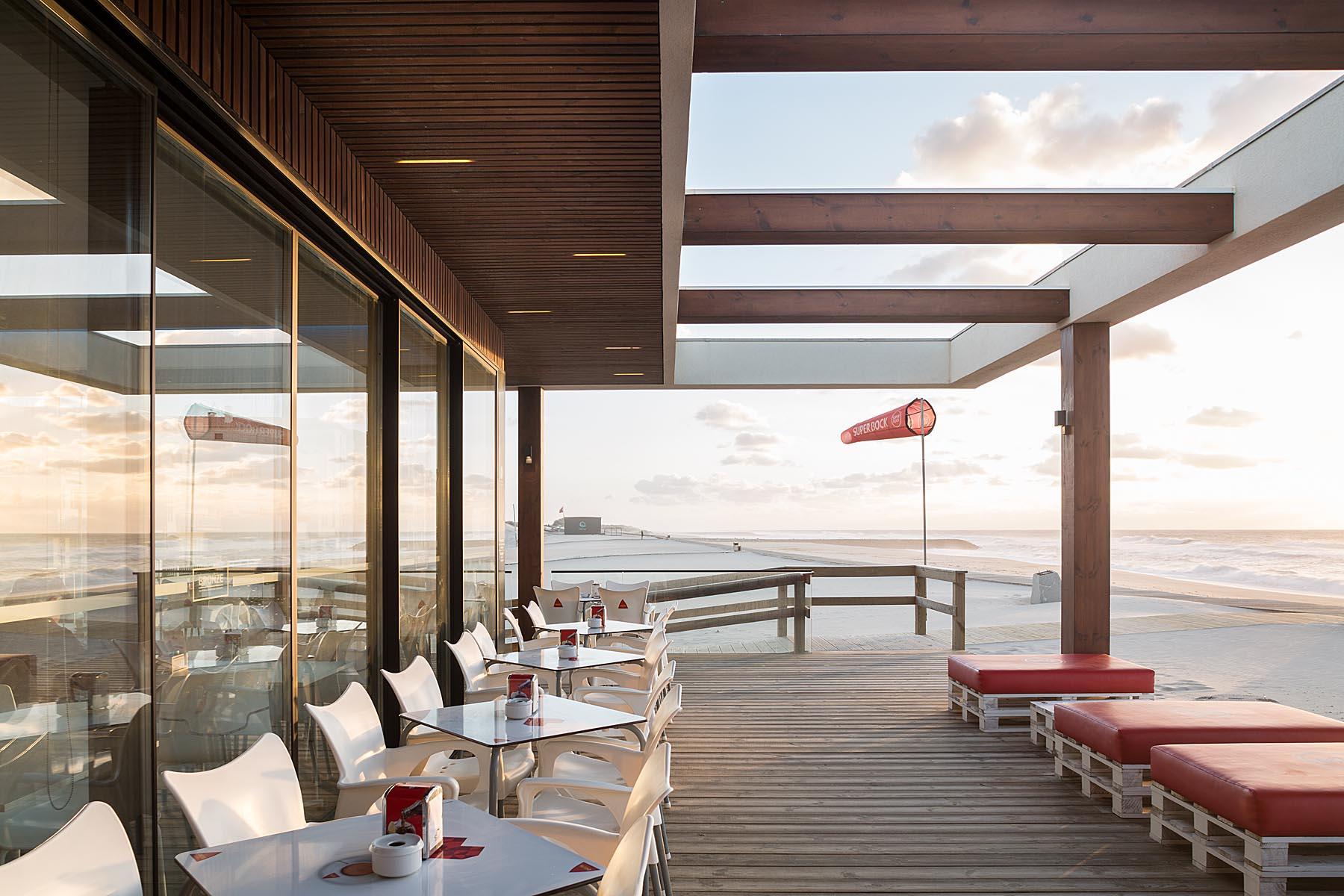 Bar De Praia Bonze Na Costa Nova Em Ílhavo Do Atelier De Arquit