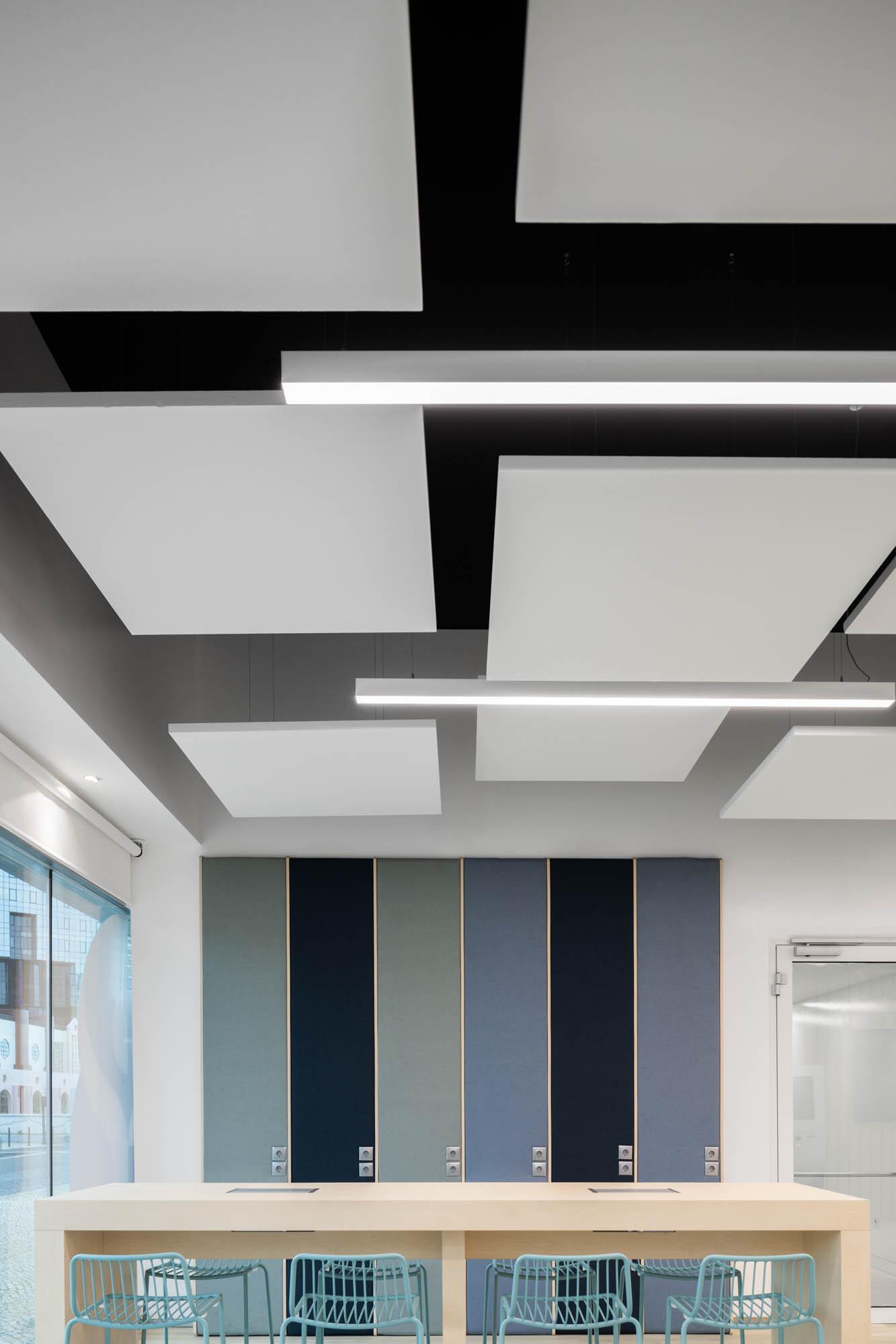 Clinica Médis Amoreiras Do Atelier De Arquitetura Sabrab Com Fo