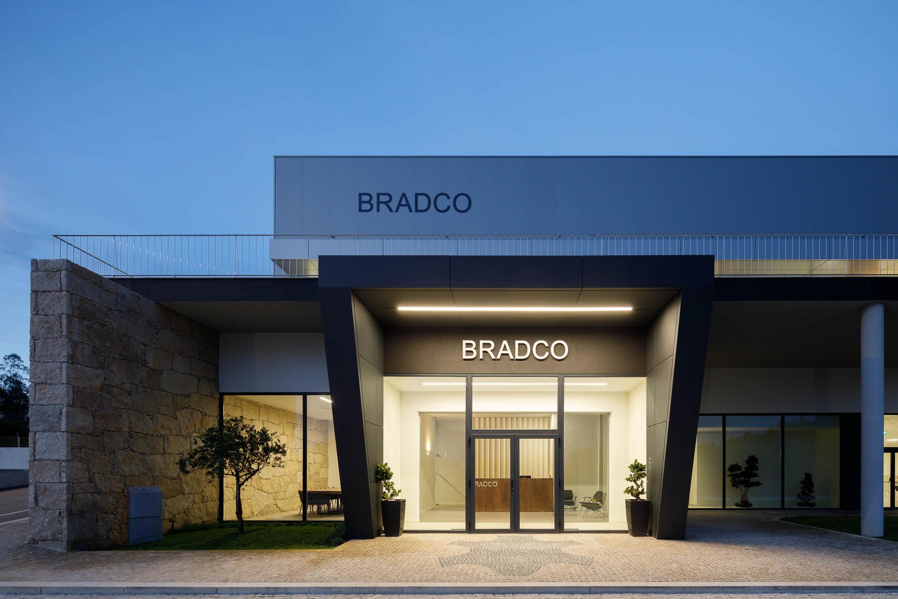 Edificio Industrial de Escitorios da Bradco em Castelo de Paiva