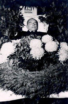 Pośmiertne zdjęcie Stepana Bandery