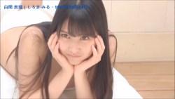 白間美瑠 グラビア撮影で色んな表情を見せる