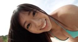 大貫彩香 ビキニ姿の可愛い彼女とビーチで遊ぶ