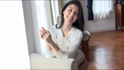 橋本マナミ ランジェリー姿やノーブラドレスで色気全開でグラビア撮影