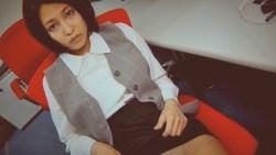 小柳歩 エロOLがオフィスで制服とパンスト脱ぎながらいやらしく誘惑