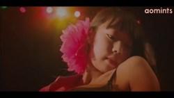 青山ひかる セクシーダンサーが劇場の客席でランジェリー姿でエロポーズ