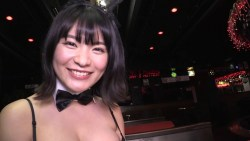 星名美津紀 激エロバニーが夜のお店のステージでセクシーに迫ってくる
