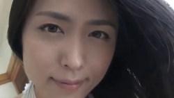 川村ゆきえ セクシーに背中丸出しの白いドレスで誘惑してくる美女