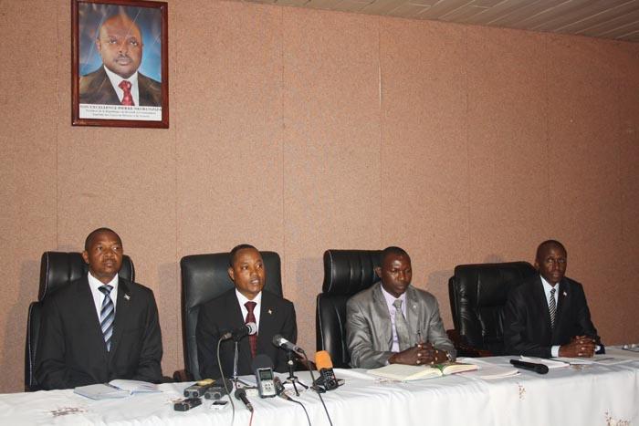 Les ministres de la Sécurité publique, de l'Intérieur, de la Justice et de la Défense nationale ont conjointement organisé une conférence de presse ©Iwacu