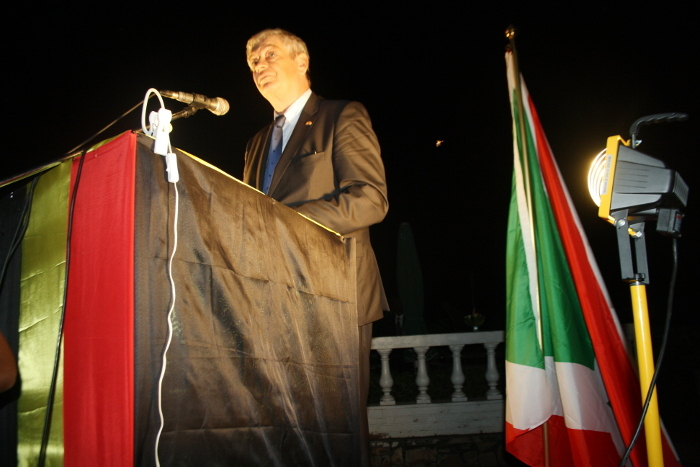 https://i0.wp.com/www.iwacu-burundi.org/wp-content/uploads/2014/07/Lambassadeur-de-Belgique-au-Burundi.jpg