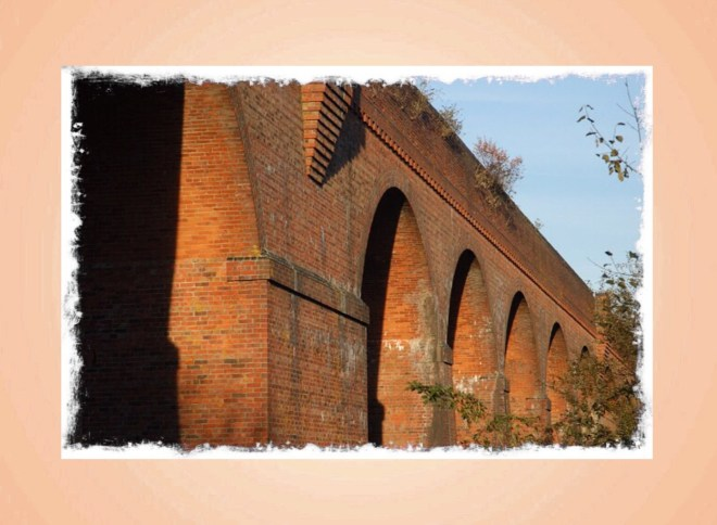 Hockley Viaduct from geograph.org.uk by Dr Simon Newman