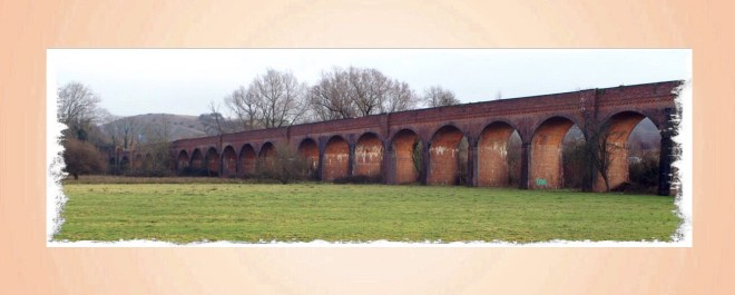 Hockley Viaduct from Wikimedia Commons by Pterre at en.wikipedia