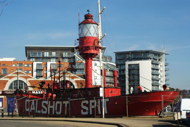 The Calshot Lightship outside the old Canute's Pavillion from geograph.org.uk by Peter Trimming