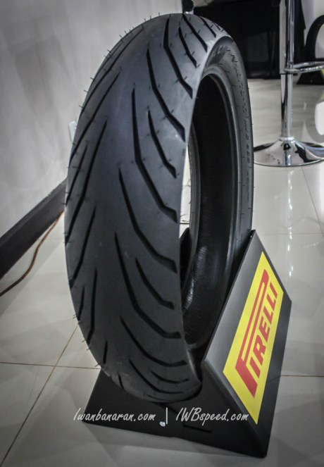 pirelli angel ct (1)
