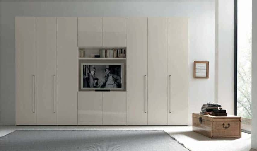 Modern madetomeasure high gloss fitted closets  iwardrobes