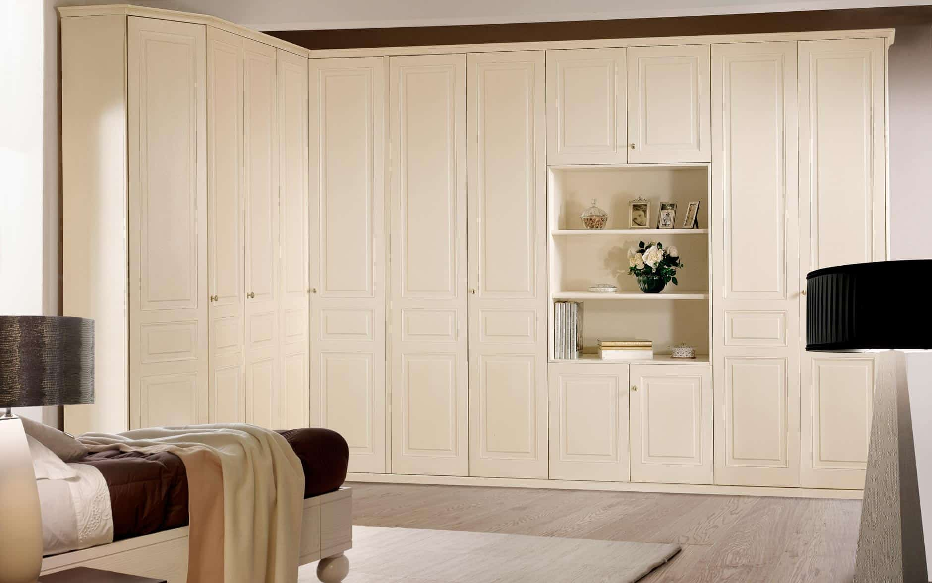 Bespoke fitted wardrobes made to measure corner walkin