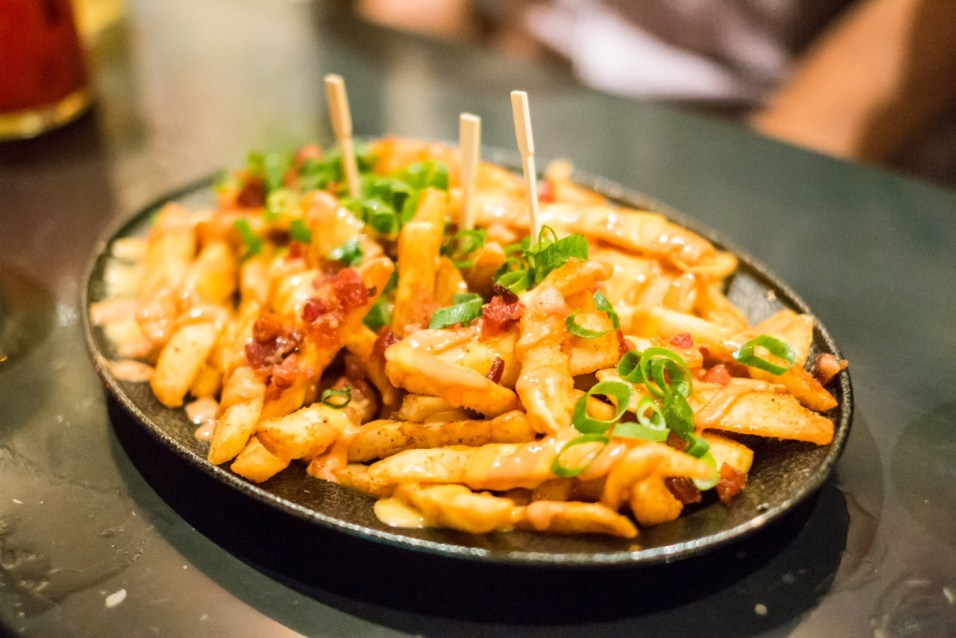 Frites, bacon, sirop d'érable