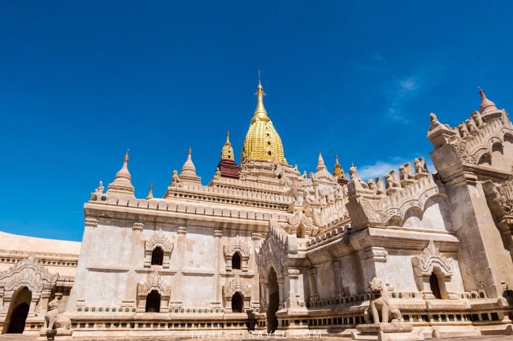 La flèche a été dorée en 1990 à l'occasion du 900ème anniversaire du temple.