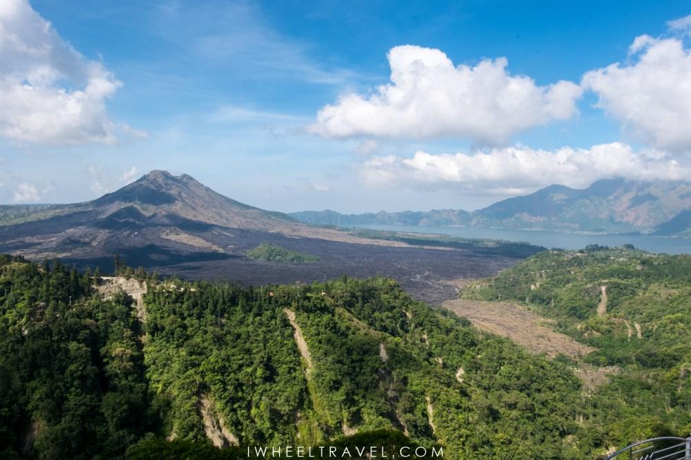 Vue sur le mont Batur depuis Kintamani.