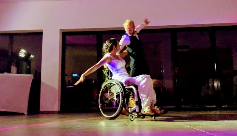 danse fauteuil roulant mariage